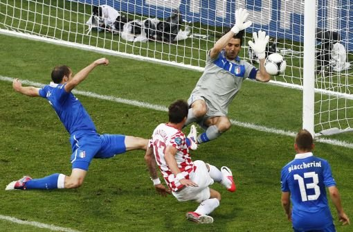 Kroatiens Mandzukic trifft auch gegen Italien