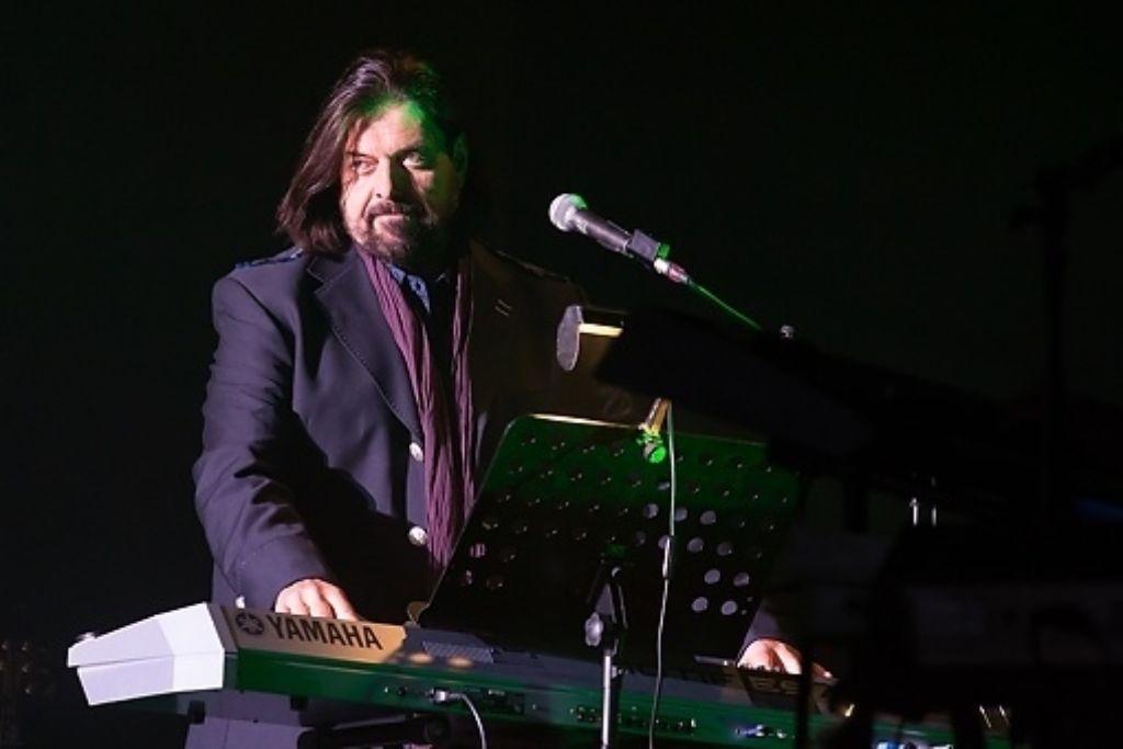 Alan Parsons steht wie ein Fels in der Brandung – physisch wie auch musikalisch. Wir zeigen Bilder von seinem Konzert in der Liederhalle in einer Bilderstrecke. Foto: 7aktuell.de / Martin Olbrich