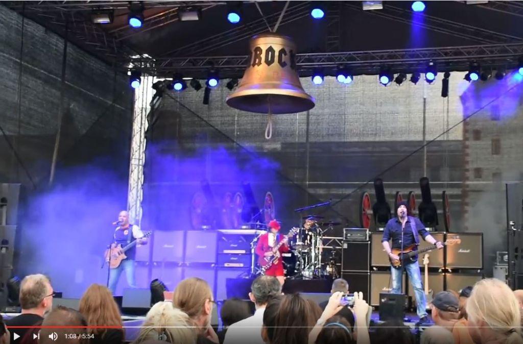 Wenn Coverbands auf die Bühne treten, öffnen sich die Pforten der Hölle vor allem musikalisch. Foto: Youtube