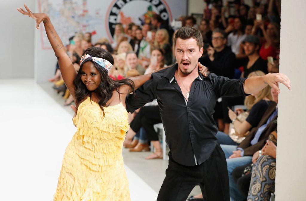 fashion week berlin schorndorfer modelabel riani lockt die promis panorama stuttgarter zeitung. Black Bedroom Furniture Sets. Home Design Ideas