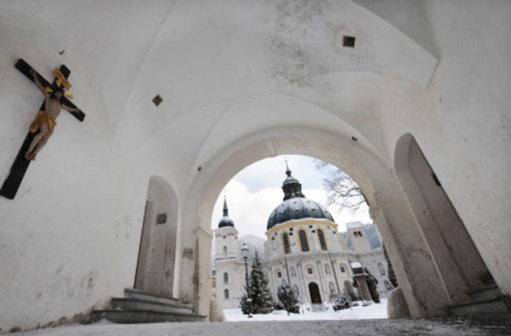 Bereits im August hatte das Benediktinerkloster im oberbayerischen Ettal erklärt, dass es einen Opferverein finanziell unterstützt. Foto: apn
