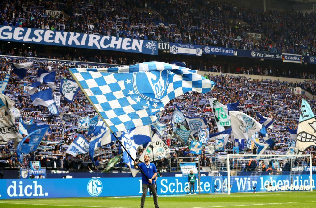 Die Fans des FC Schalke 04 sind leidensfähig. Foto: Bongarts/Getty Images