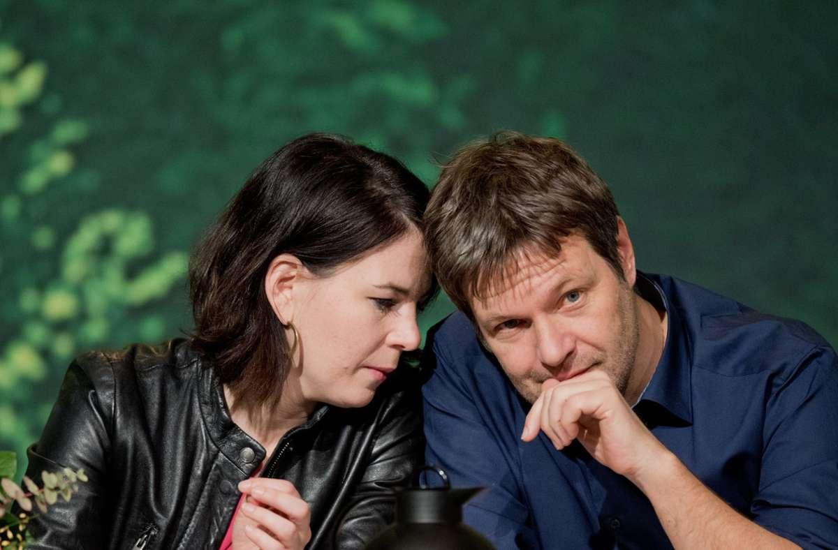 Annalena Baerbock und Robert Habeck. Foto: dpa/Julian Stratenschulte