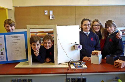 Junge Forscher sind stolz auf ihre Projekte