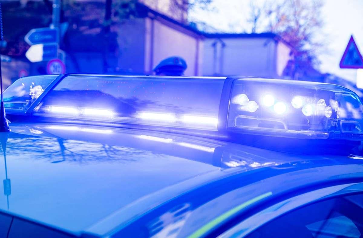Erst mehr als einen Monat nach der Tat Ende September hatte der Beraubte bei der Polizei Anzeige erstattet (Symbolbild). Foto: imago images/Alexander Pohl