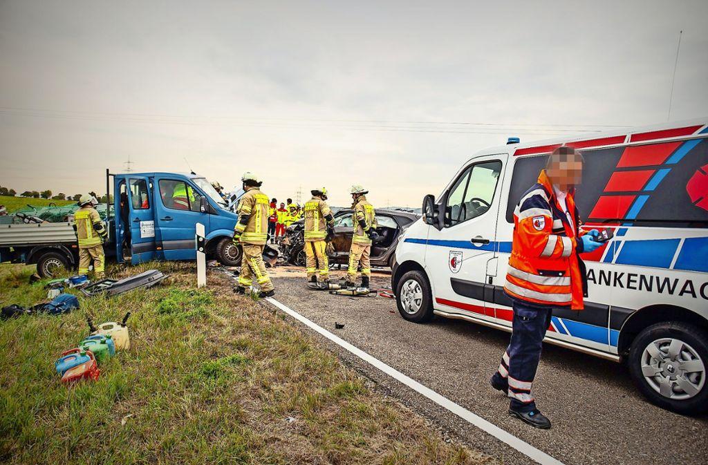Ein Krankenwagen der Firma Ambulanzengel im Einsatz. Ehemalige Angestellte erheben schwere Vorwürfe.. Foto: KS-Images