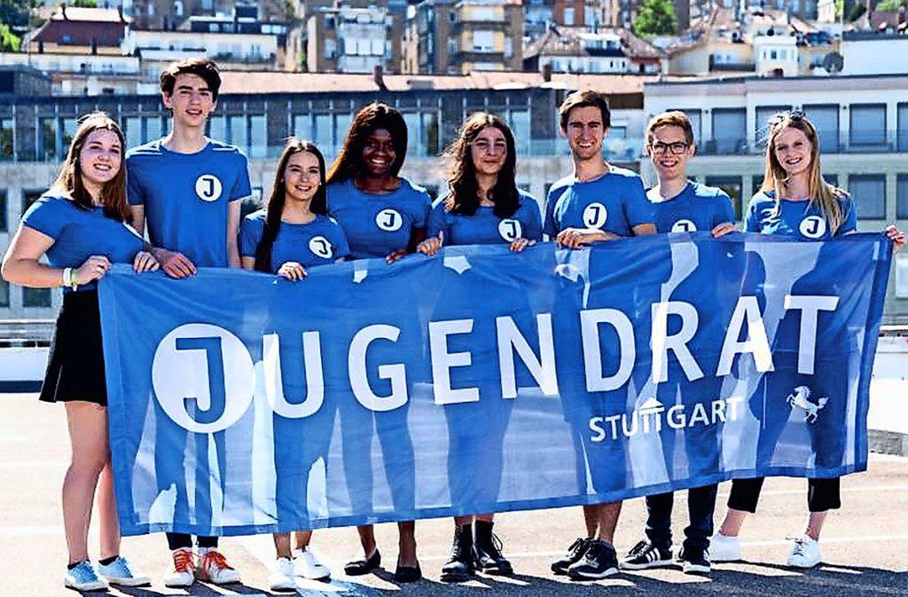 Vertreter der aktuellen Jugendräte werben fürs Mitmachen und Kandidieren. Foto: Stadt Stuttgart