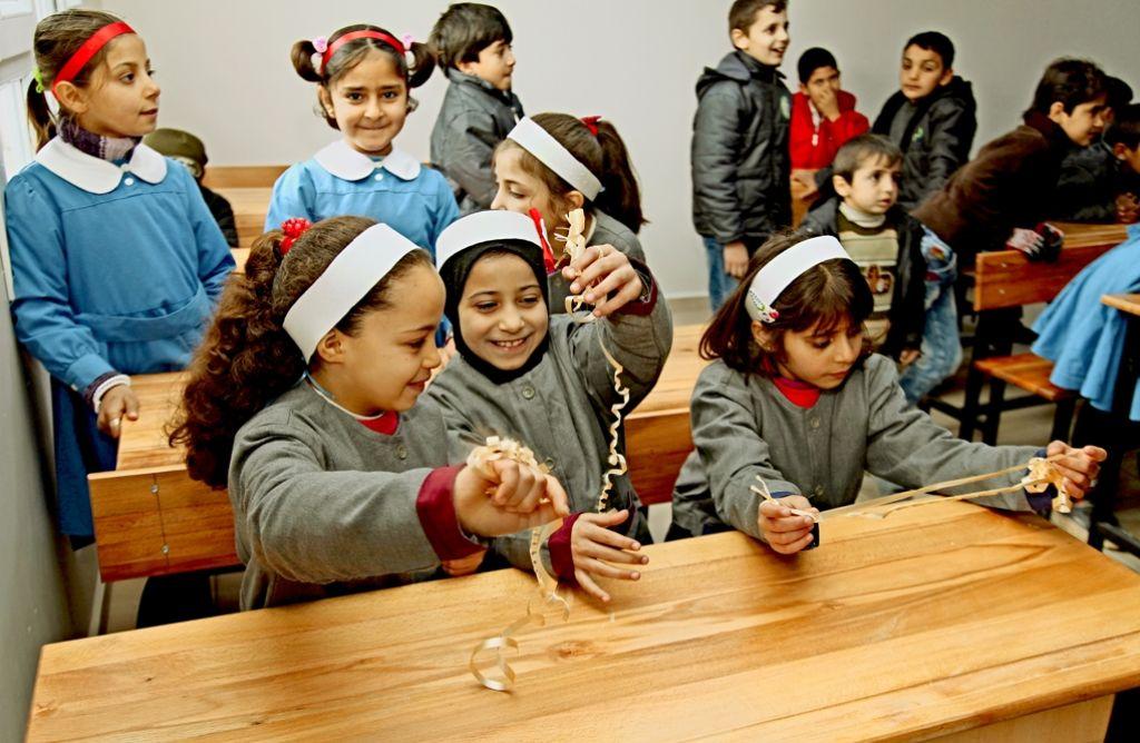 Syrische Kinder in einer Schule in Hacipasa: dieses Foto entstand bei einem  Türkei-Besuch einer Delegation des Landtags. Foto: privat