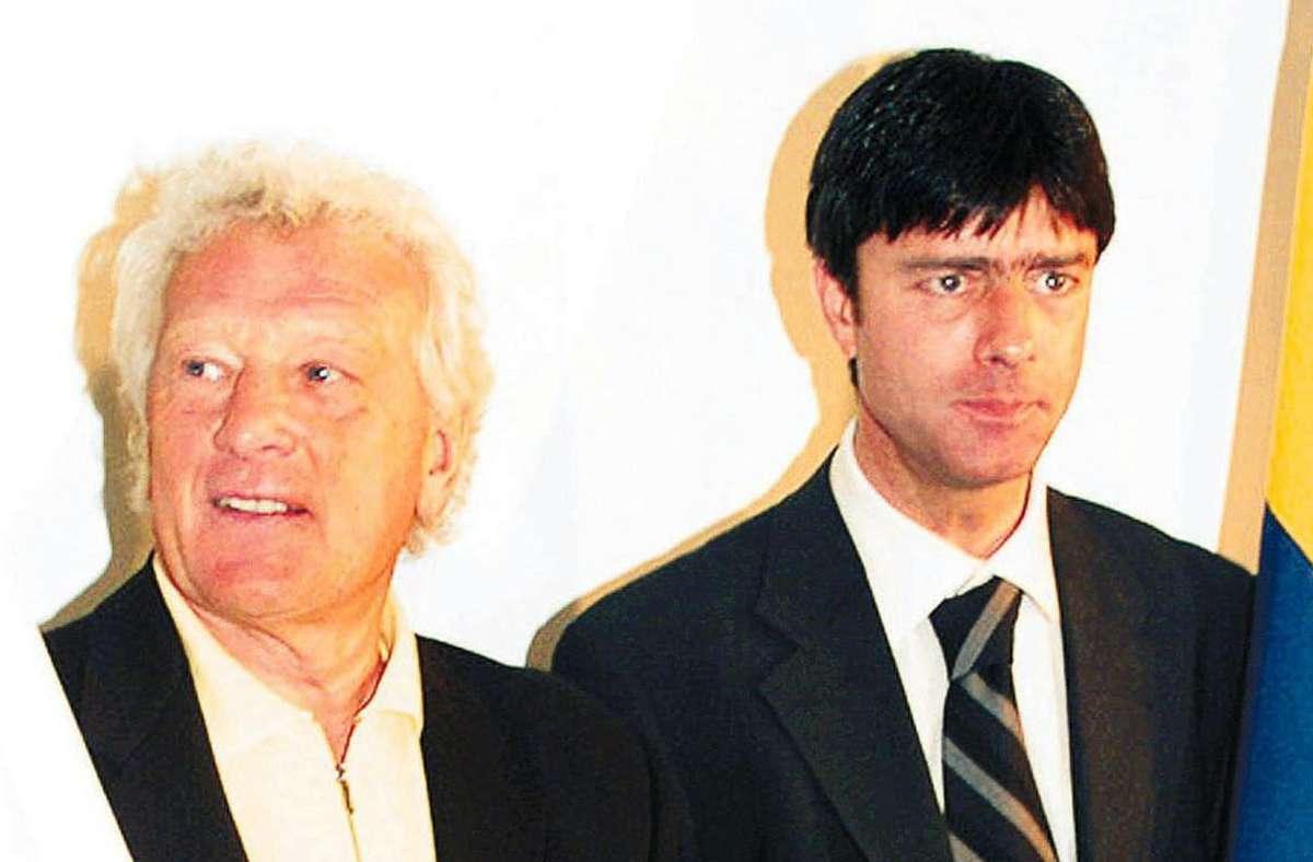 Karl-Heinz Feldkamp (links) und Joachim Löw trainierten 1999 zeitgleich die Istanbuler Lokalrivalen Beşiktaş und Fenerbahçe. Foto: dpa/Star