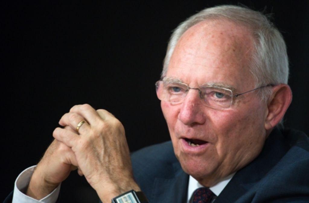 Schäuble könnte es krachen lassen, er hat die Kassen voll. (Archivbild) Foto: dpa