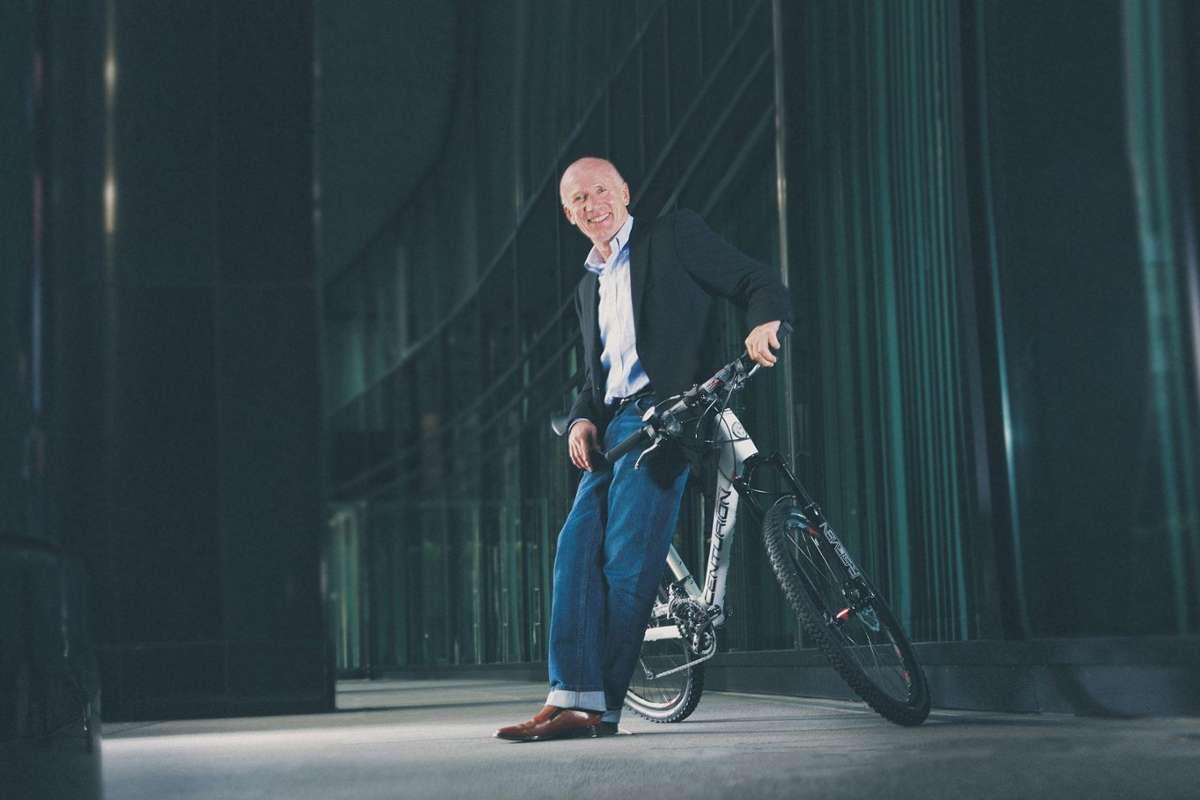 Pionier und Firmengründer Wolfgang Renner sitzt in seinem Unternehmen CENTURION und MERIDA in Magstadt fest im Sattel. Foto: MERIDA & CENTURION