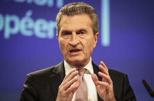 Oettinger und Bischof an der Krippe