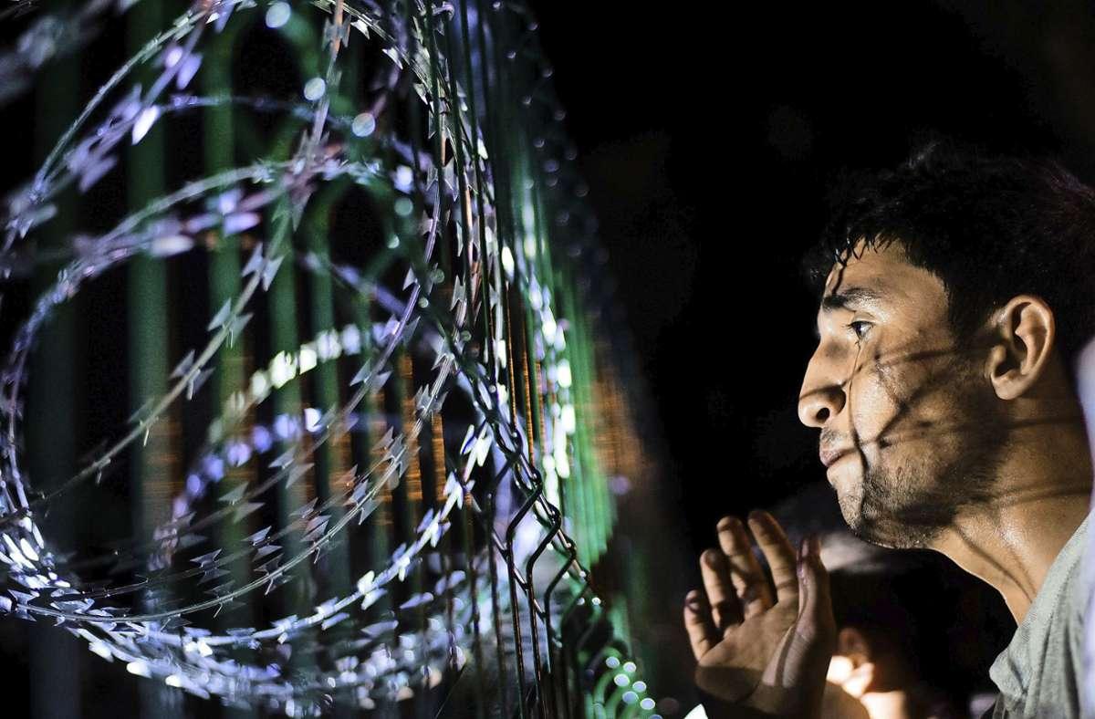 Ungarn hat sich 2015 in der Flüchtlingskrise abgeschottet – wie hier an der Grenze zu Horgos in Serbien. Foto: dpa/Gregor Fischer