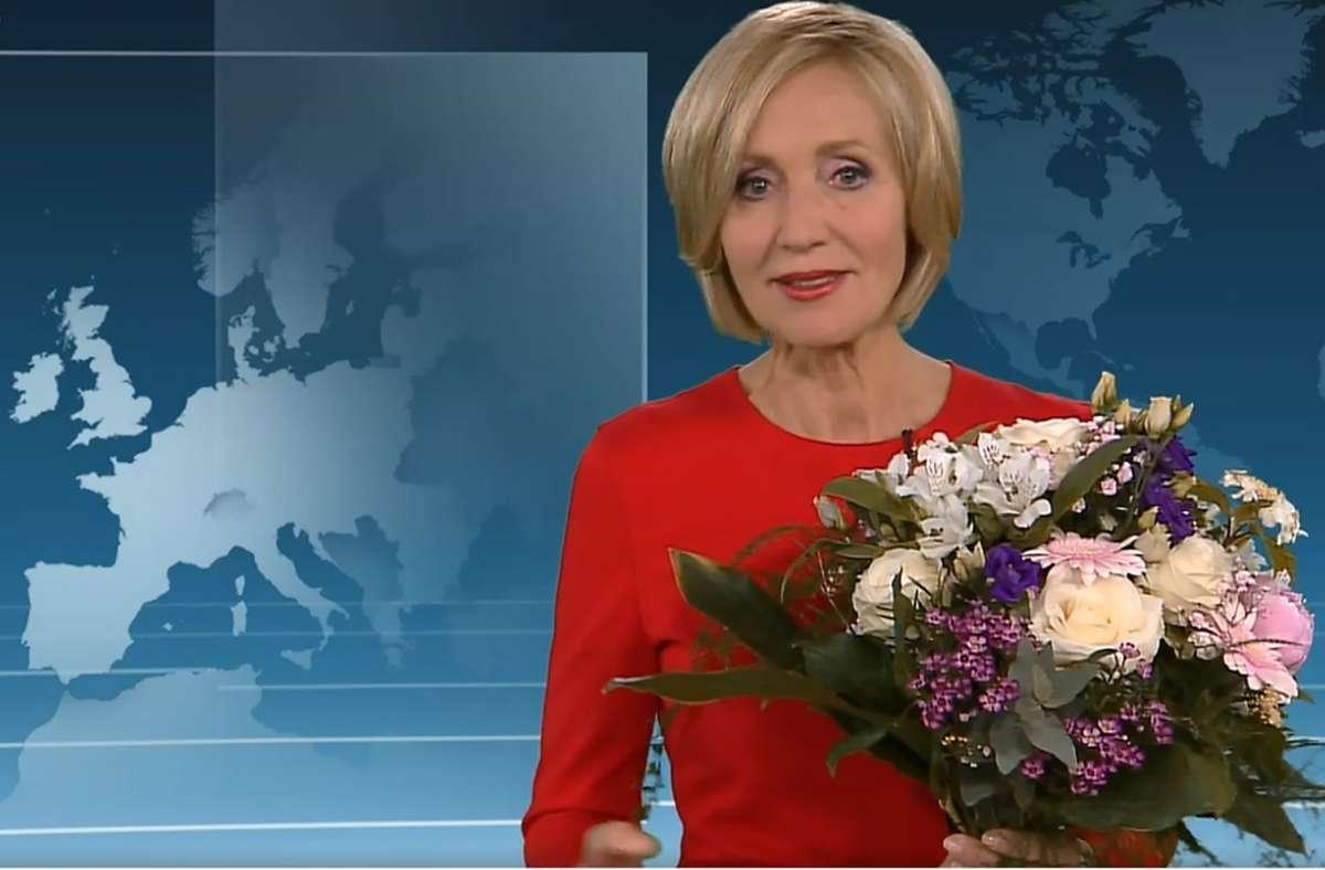 Ein Blumenstrauß von allen – und ein Dank mit Gendersternchen: Petra Gerster Foto: dpa