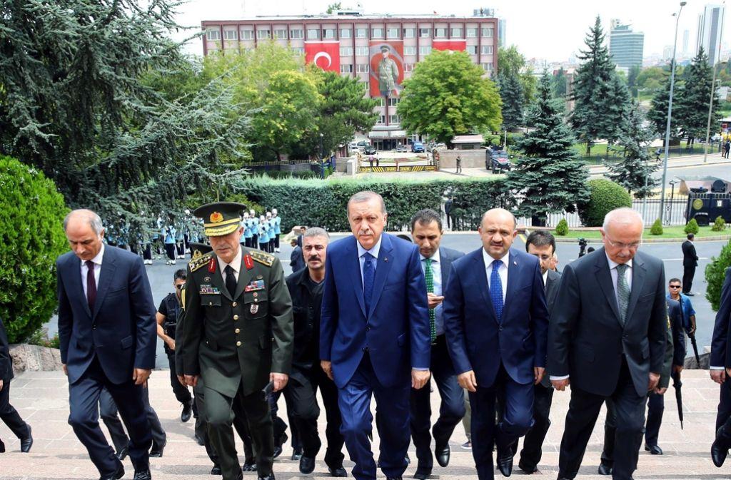 Der türkische Präsident Recep Tayyip Erdogan wirft dem Westen Solidarität mit den Putschisten vor. Foto: TURKISH PRESIDENTAL PRESS OFFICE/DPA