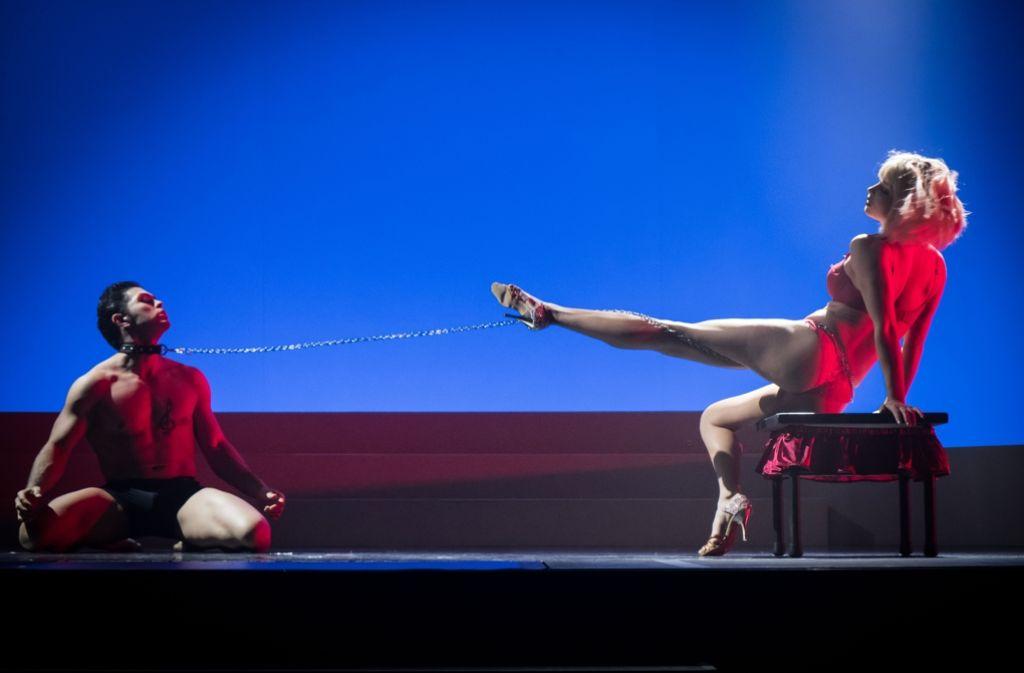 Mehr als eine Affäre: Artistik-Duo Mirko Köckenberger und Marie Bitaróczky Foto: Lichtgut/Achim Zweygarth