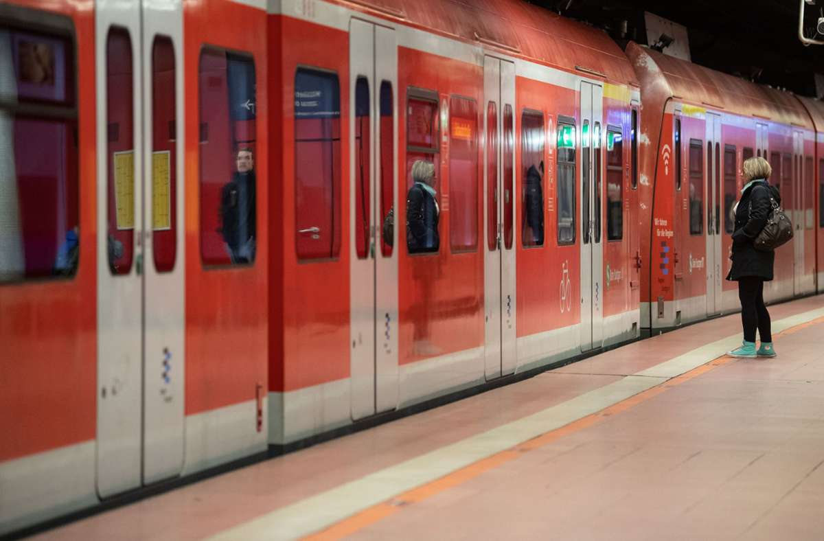 An diesem Sonntag fahren die S-Bahnen der Linien 4 und 5 nicht wie gewohnt. Foto: picture alliance/dpa/Marijan Murat