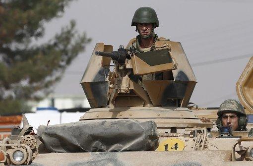 Hunderte IS-Kämpfer fliehen aus Dscharablus
