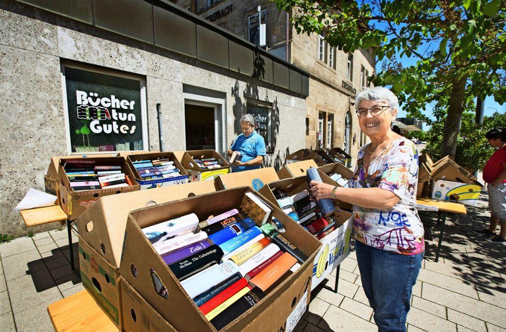 Sonja Hollandt ist die Initiatorin des Gebrauchtbuchladens im Ebersbacher Bahnhof. Sie kann auf 25 Mitstreiter zählen. Foto: