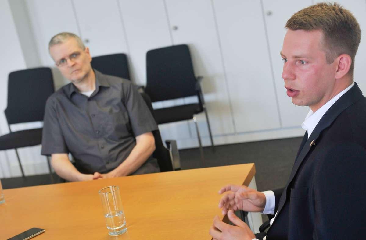 Generationenübergreifender Disput: Werner Winkler (links) und Friedrich Haag haben sich viel zu sagen. Foto: Lichtgut/Max Kovalenko