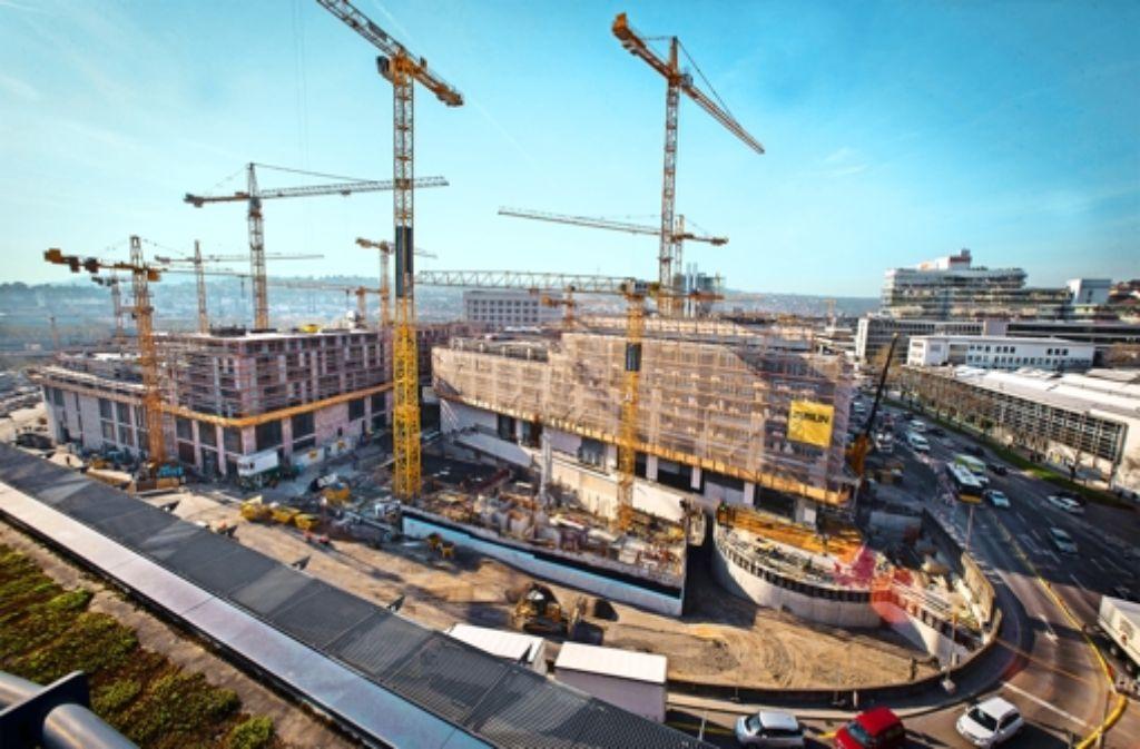 Momentan noch Baustelle, bald riesiges Einkaufszentrum: im Oktober eröffnet das Milaneo Foto: Michael Steinert