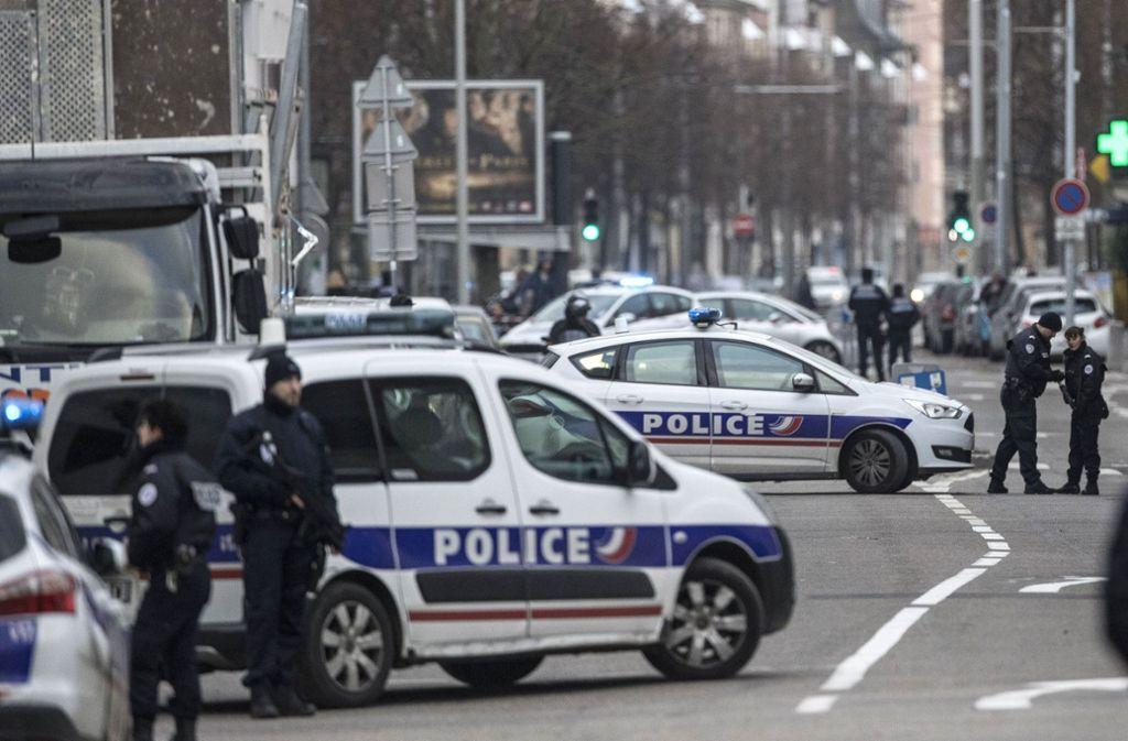 Polizeieinsatz in Straßburg am Donnerstagmittag. Foto: AP