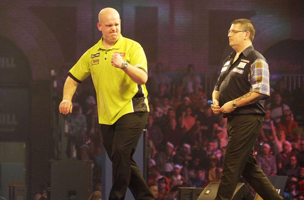 Michael van Gerwen (links) und Gary Anderson prägten die vergangenen Jahre der Darts-WM. Foto: imago/sportfotodienst
