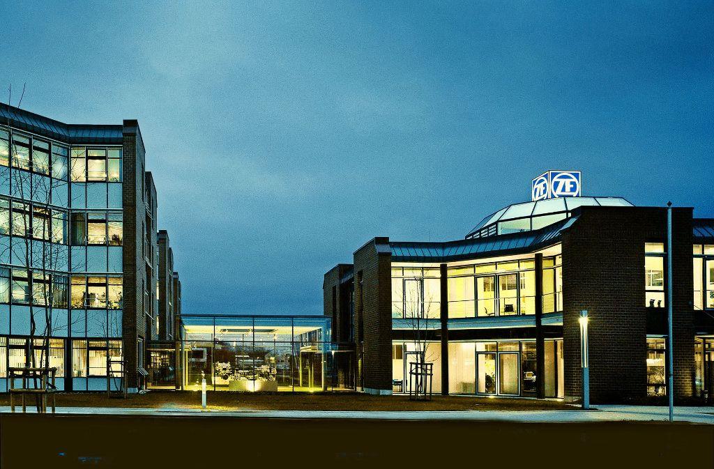 Die Konzernzentrale von ZF ist Friedrichshafen. Allein in der Stadt am Bodensee beschäftigt der Konzern 8800 Mitarbeiter. Foto: ZF/Friedrichshafen