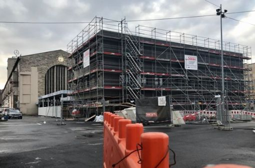 Wofür das schwarze Gebäude am Hauptbahnhof gebaut wird