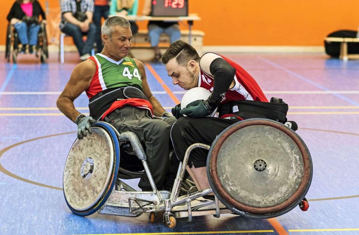 Beim Rollstuhlrugby müssen die Sportrollstühle robust sein. Foto: Carla Hieber