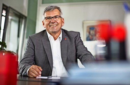 Am 10. Oktober 2015 ist der in Esslingen wohnende Jörg Hofmann zum Ersten Vorsitzenden der größten Einzelgewerkschaft der Welt gewählt worden Foto: IG Metall
