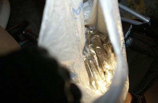 Polizei beschlagnahmt 26 Kilo Marihuana und nimmt zwei Männer fest