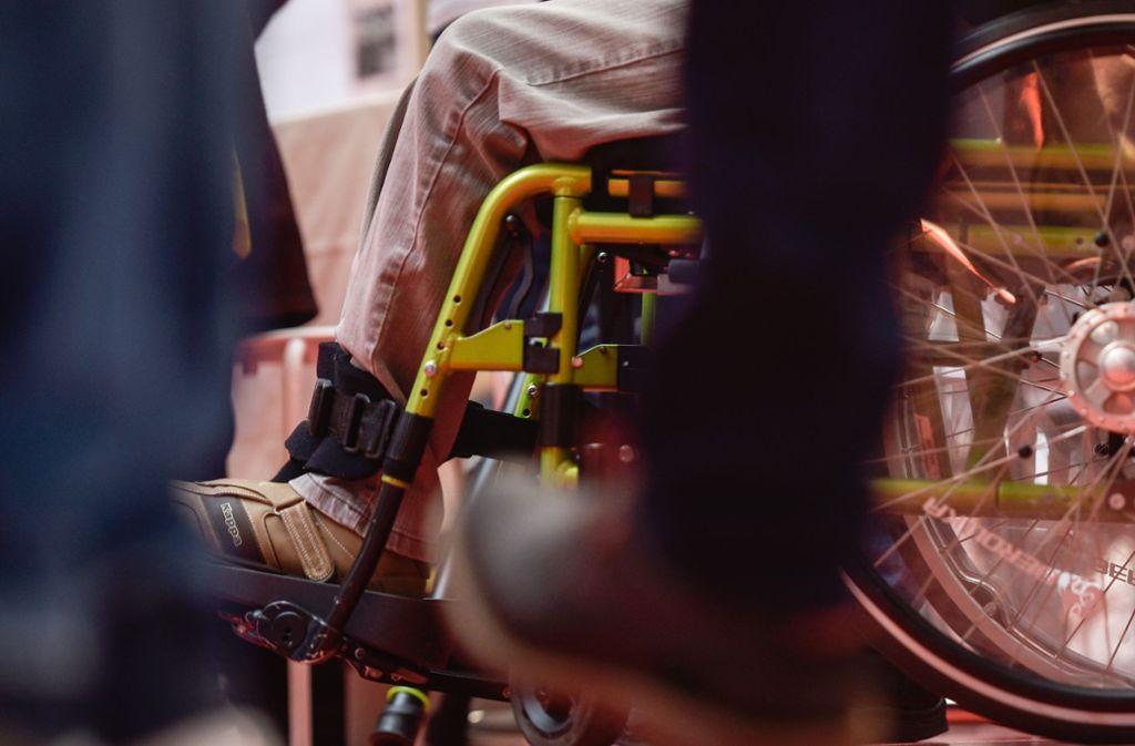 Ein Rollstuhlfahrer ist am Wochenende nicht am Türsteher des Stuttgarter Clubs Zwanglos vorbei gekommen. (Symbolfoto) Foto: Lichtgut/Kovalenko
