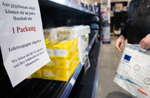 Kritik an Rewe-Filiale wegen Verkauf von Klopapierrollen