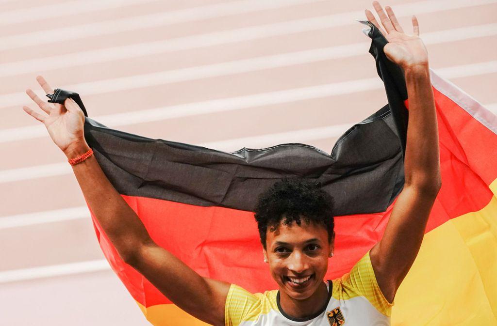 Weitspringerin Malaika Mihambo siegt bei der Leichtathletik-WM mit beeindruckender  Souveränität. Foto: dpa/Michael Kappeler