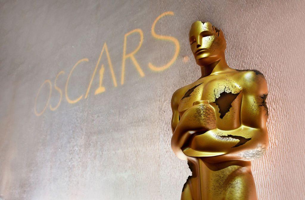 Die Oscars sind noch immer die wichtigsten Filmpreise der Welt. Aber so wie das Goldmännchen auf unserem verfremdeten  Foto wirken sie doch  ein wenig ramponiert. Foto:dpa/red Foto: