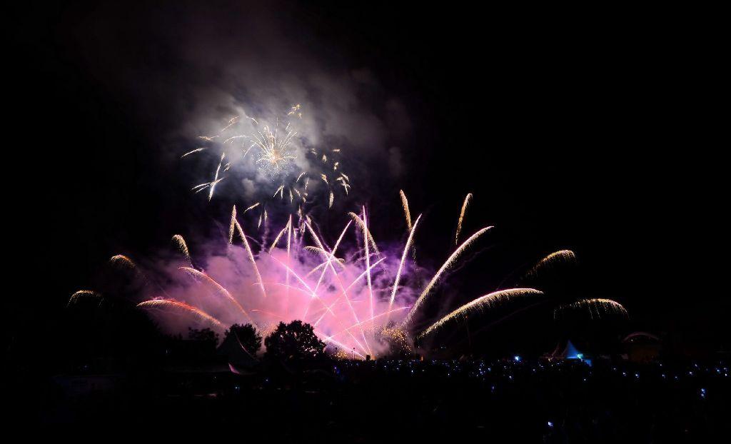 Am zweiten Tag des Feuerwerks-Festival im Scharnhauser Park in Ostfildern gab es für die Zuschauer eine Show aus Portugal zu sehen.  Foto: www.7aktuell.de