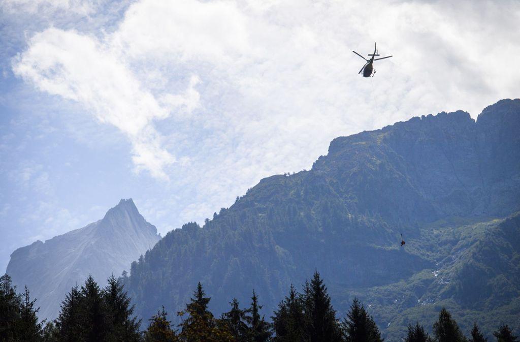 """Schnelle Hilfe ist bei Unfällen in den Bergen wichtig, die App """"SOS-EU-Alp"""" soll dazu beitragen. Foto: dpa"""