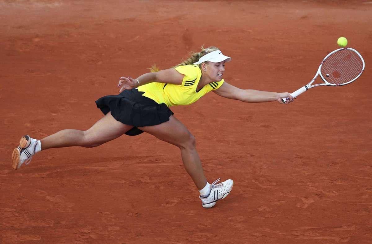 In den Jahren davor war Angelique Kerber eine Newcomerin, doch Paris zeigte ihr stets die kalte Schulter. 2010 (Foto) scheiterte sie in der zweiten Runde an Aravane Redzai (Frankreich) 2:6, 6:2, 3:6;  2007 und 2008 war nach Runde eins Schluss. 2009 trat sie nicht an. Foto: imago