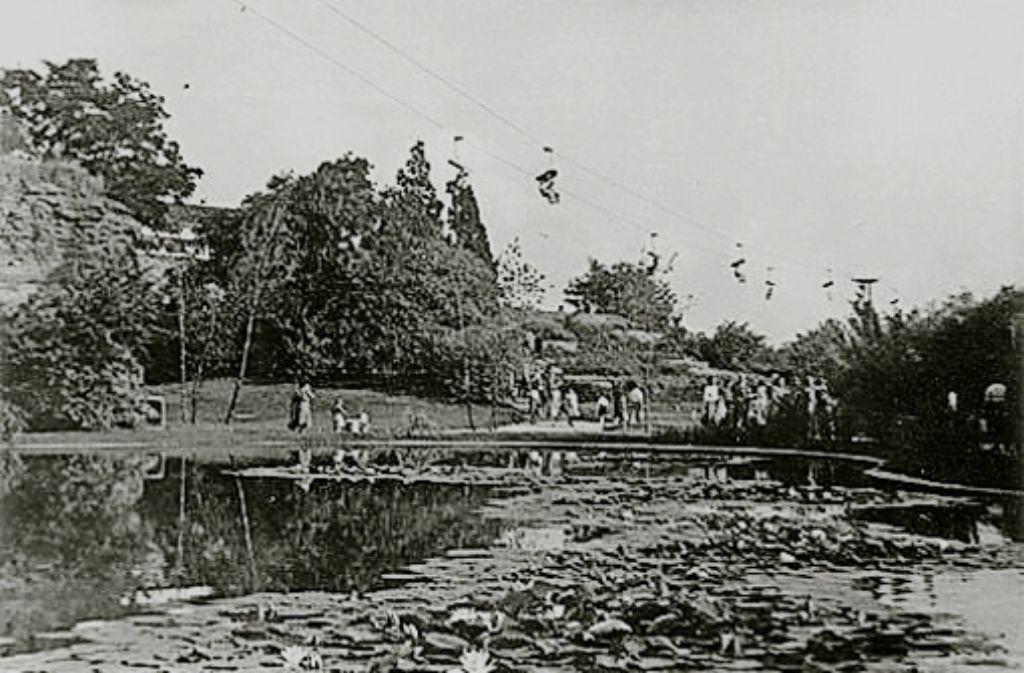 Früher konnten sich die Besucher den Park sogar von oben anschauen: Von 1950 an fuhr vier Jahrzehnte lang eine Sesselbahn über den Killesberg. Foto: Von Zeit zu Zeit – Waltraut Lücke