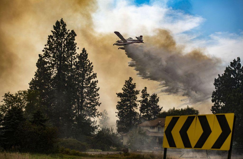 Tausende Feuerwehrleute sind bei den zahlreichen Waldbränden in Kalifornien im Einsatz. Foto: The Spokesman-Review/AP