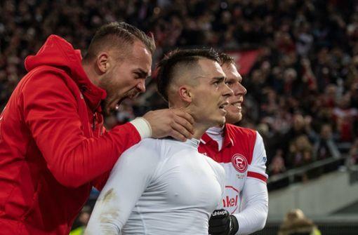 Ausgeliehener VfB-Spieler schießt Düsseldorf mit Traumtor zum Sieg