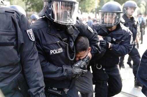 Rund 300 Festnahmen – Attila Hildmann abgeführt