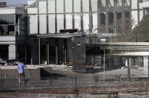 Explosion vor Steuerverwaltung  – Polizei spricht von Angriff