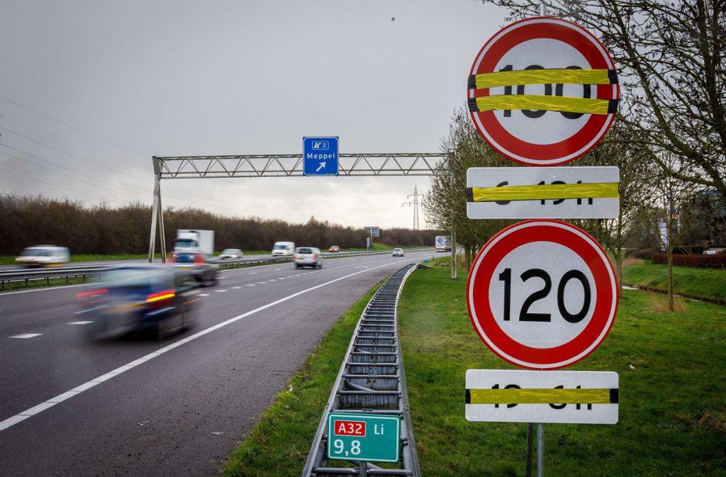 Grund für die neue Tempo-Beschränkung sind hohe Emissionen von Stickoxiden, die gemessen an der Fläche des Landes EU-Grenzwerte erheblich übersteigen. Foto: dpa/wilbert Bijzitter