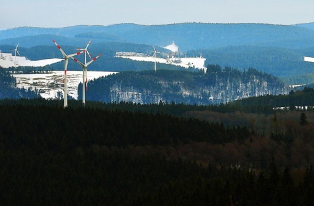 Diese Windräder drehen sich auf den Höhen des Südschwarzwalds zwischen St. Peter und Gütenbach. Foto: dpa