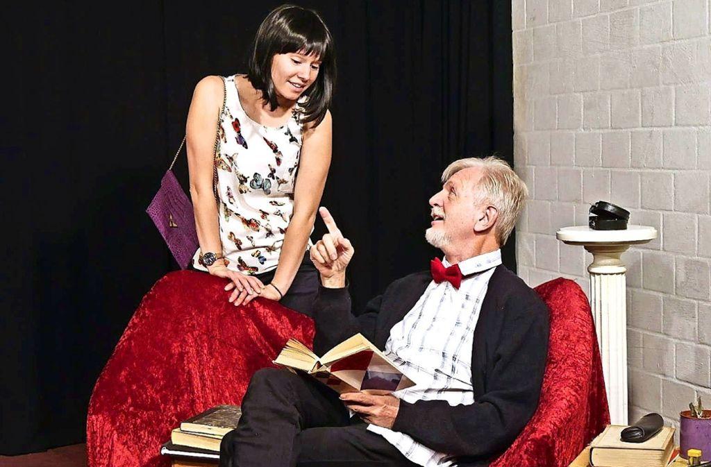 """Laura Fischer und Ernst-Georg Breithaupt in """"Rita will's wissen"""". Foto: Bülow"""