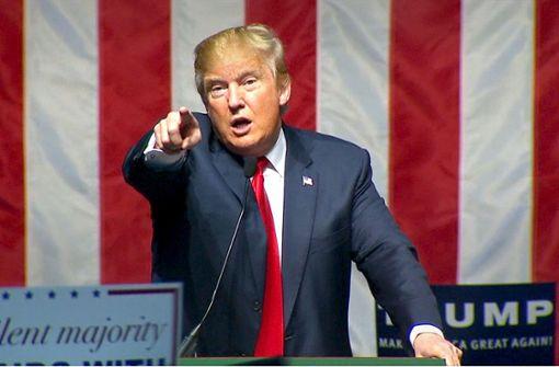 Michael Moore vergleicht Trump mit Hitler