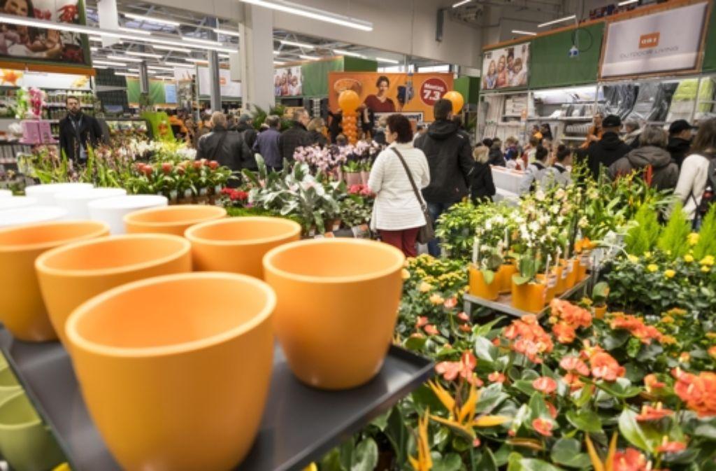 Am Wochenende hatte der neue Obi am Westbahnhof schon für VIPs geöffnet. Am Montag öffnet der Markt dann wirklich seine Pforten. Foto: Lichtgut/Max Kovalenko