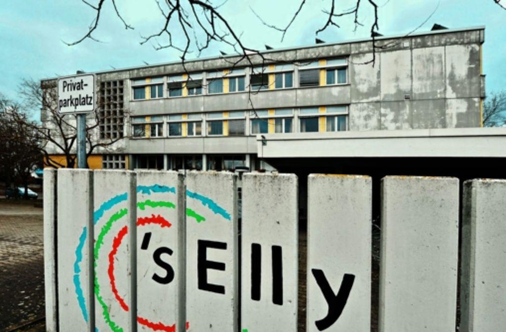 Eine Machbarkeitsstudie empfiehlt Abriss und Neubau des maroden Elly. Foto: Archiv